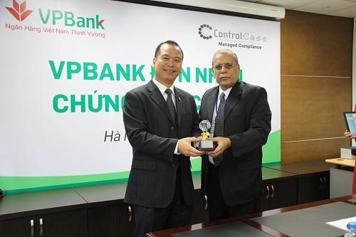 VPBank là ngân hàng đầu tiên tại Việt Nam đạt chứng nhận bảo mật PCI DSS (1)