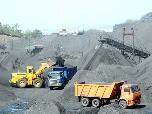 Nghịch lý ngành than: Xuất khẩu giá rẻ, nhập lại giá cao - Ảnh 1