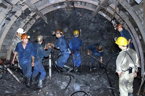 Nghịch lý ngành than: Xuất khẩu giá rẻ, nhập lại giá cao - Ảnh 2