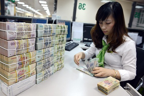 Khảo sát: Tiền gửi vào ngân hàng ở mức thấp nhất kể từ năm 2012