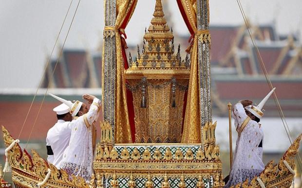 Chứng khoán Thái Lan chao đảo vì Nhà vua băng hà
