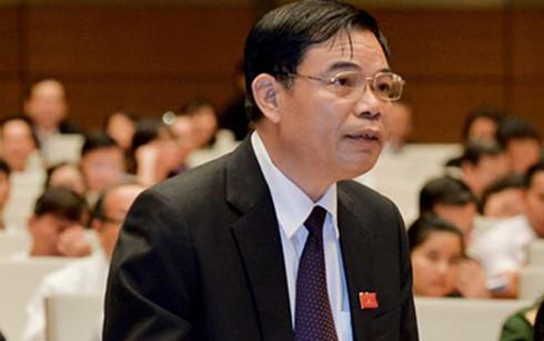 Bộ trưởng Bộ Nông nghiệp và Phát triển Nông thôn Nguyễn Xuân Cường phát biểu trước Quốc hội